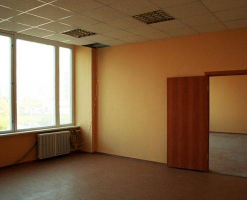 крашенные стены офиса